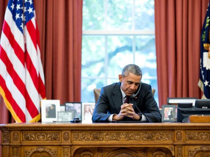 Barack Obama allo Studio Ovale