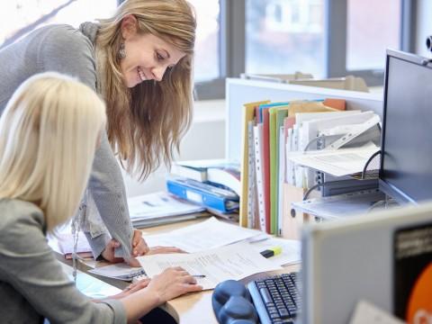 Foto Lavoro Ufficio : Donne e lavoro donna moderna