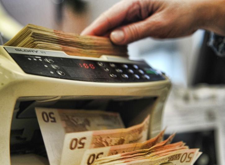 Macchina contabanconote con banconote