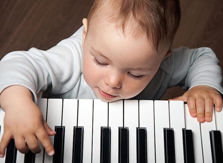 Musicoterapia: i benefici per i bambini