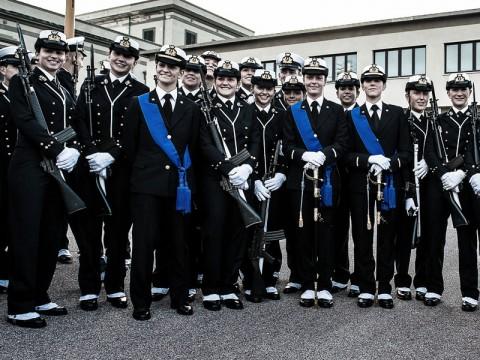 Allievi Ufficiali donna in accademia Navale