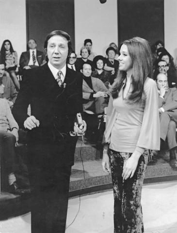 Mike Bongiorno e Sabina Ciuffini in Rischiatutto 1971