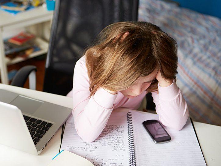 Cos'è il cyberbullismo Il cyberbullismo non è altro che mobbing e stalking messi insieme e attuat