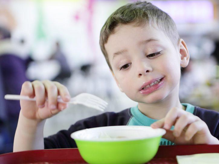 Il pasto dovrebbe essere uno splendido momento di condivisione familiare. Sedersi intorno al tavolo