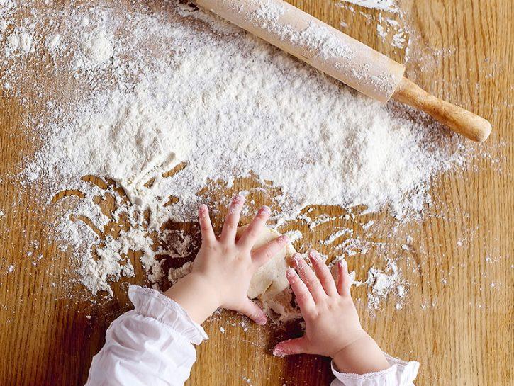 INGREDIENTI Di che cosa c'è bisogno per preparare la pasta di sale? Prima di iniziare procurati fa