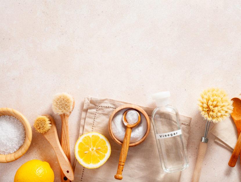 pulire la cucina con ingredienti naturali