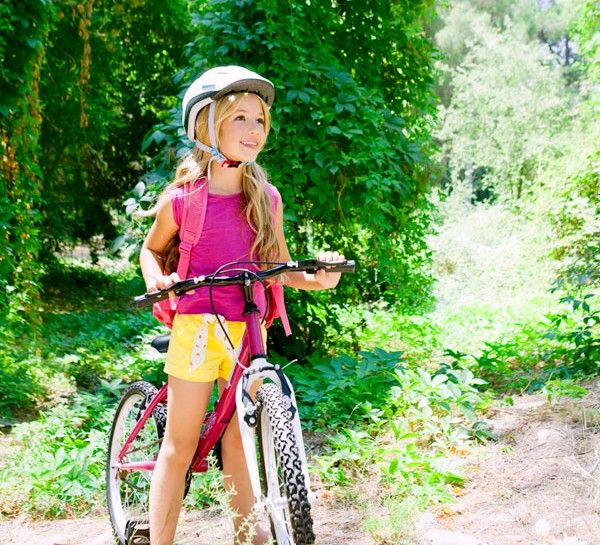 È primavera e le giornate invitano a uscire e a fare lunghe passeggiate in bicicletta. Andare in