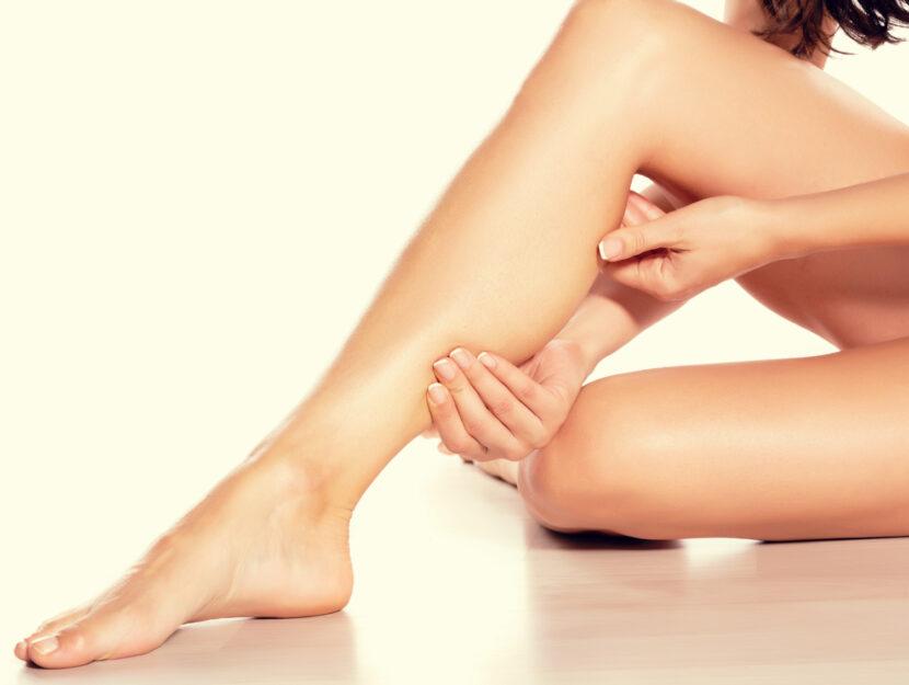 auto massaggio alle gambe