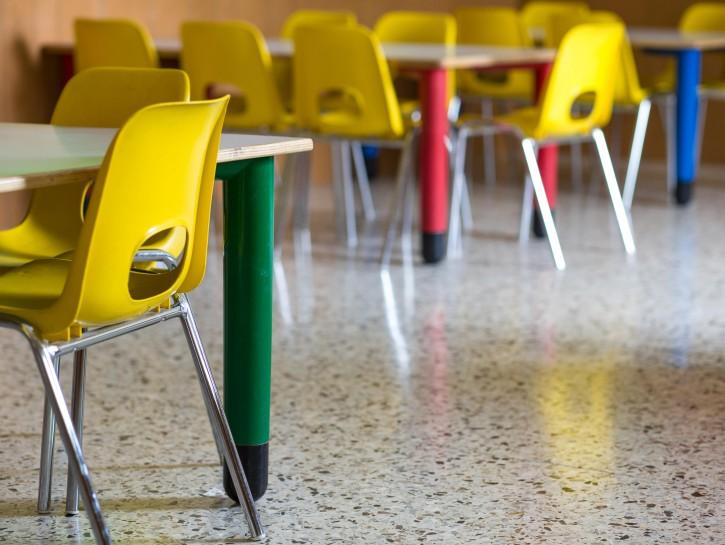 Asilo scuola sedie tavoli