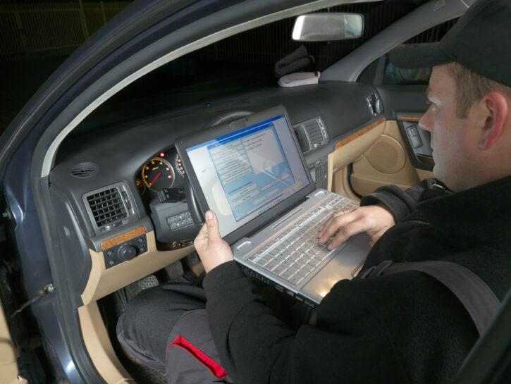 Auto uomo computer
