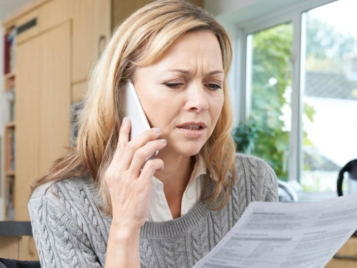 Donna telefono contratto casa