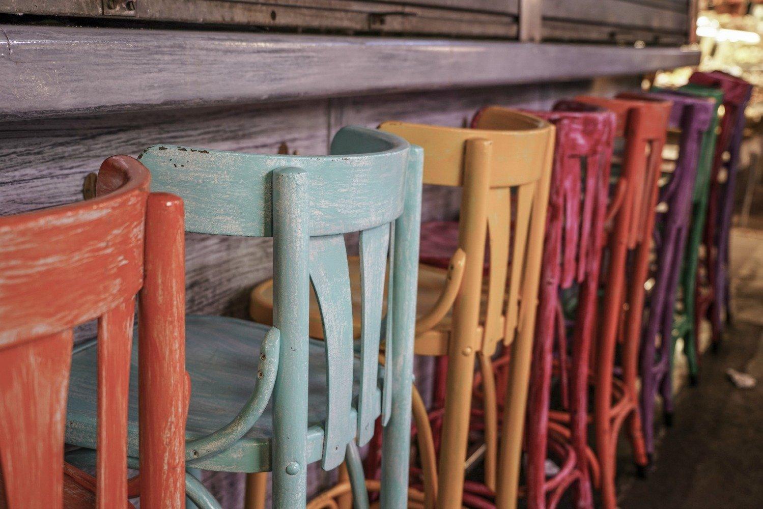 Dipingere Sedie Di Legno come verniciare il legno con lo smalto ad acqua