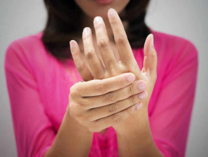 dolore alle mani tratament de displazie de șold fără anvelope