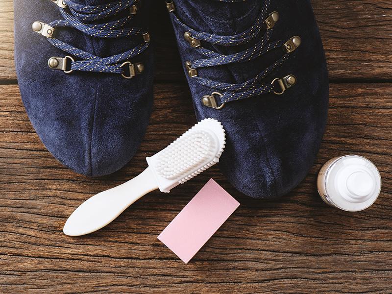 Come pulire le scarpe scamosciate - Donna Moderna