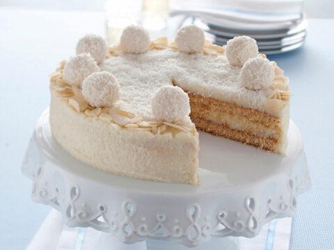 Torta Raffaello ® al cocco (ed è senza cottura!)