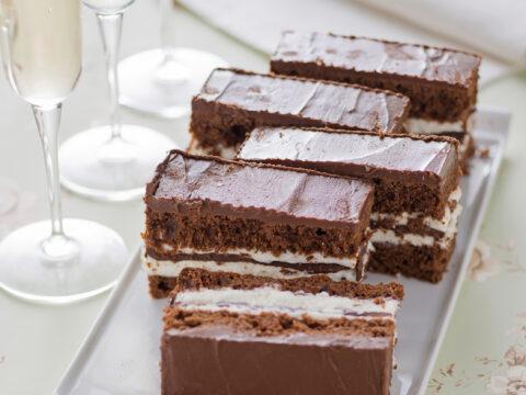 Torta stile Kinder Pinguì ®, come dessert o come merenda golosa