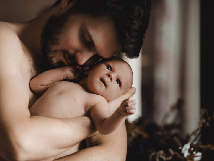 papà con bebè