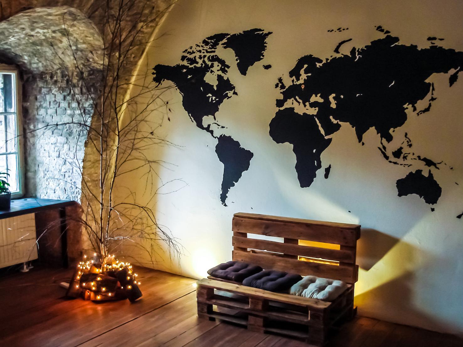 Cartina Mondo In Sughero.10 Idee Originali Per Decorare Casa Con Le Mappe Del Mondo Donna Moderna