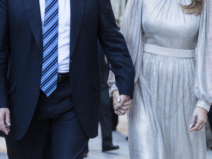 Donald J. Trump and First Lady Melania Trump mano nella mano