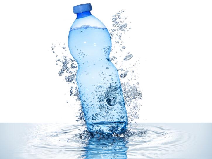 acqua frizzante fa bene o male