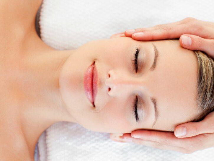 Massaggio alla testa