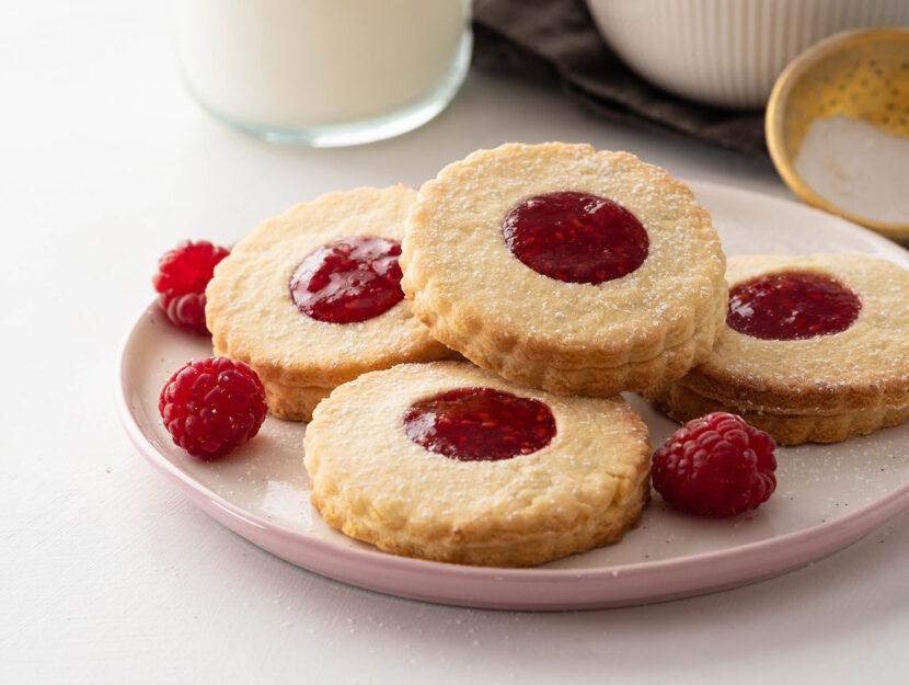 Biscottini integrali con la marmellata