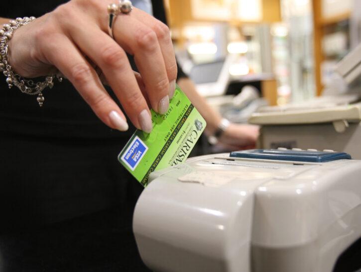 bancomat per pagare negozio pos