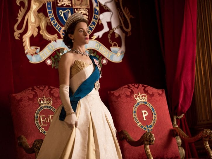 Clare Foy nei panni della regina Elisabetta