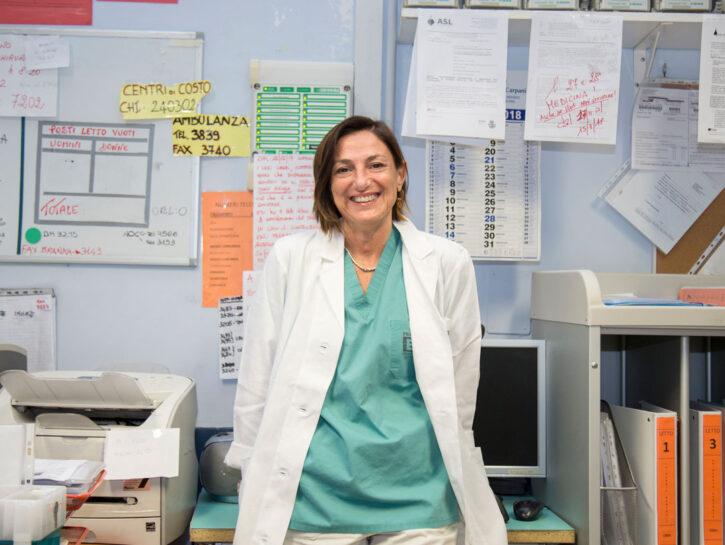 Tiziana Viora, 53 anni, è direttore della Struttura complessa di Chirurgia generale all'ospedale