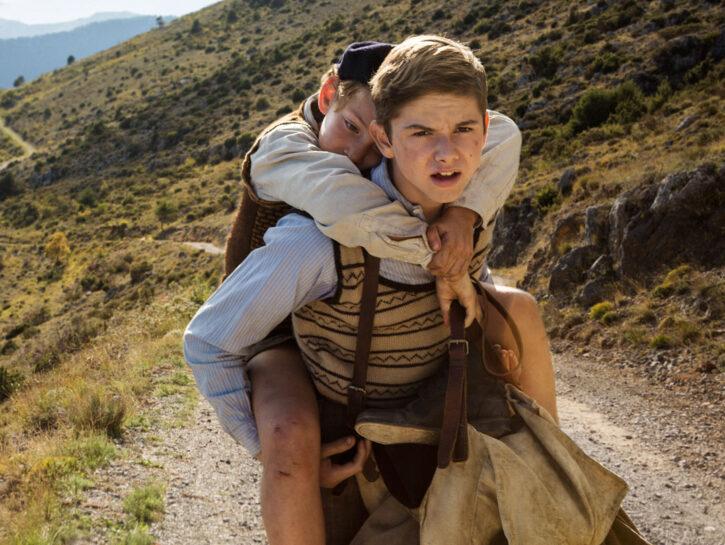 """Appena arrivato nelle sale, """"Un sacchetto di biglie"""" racconta la storia di 2 fratelli ebrei in fuga"""