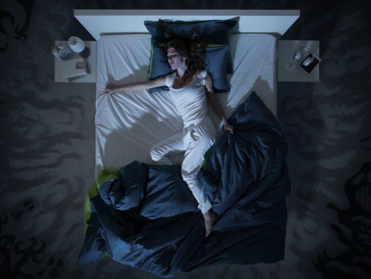 Sudorazioni notturne senza febbre: 9 cause da valutare