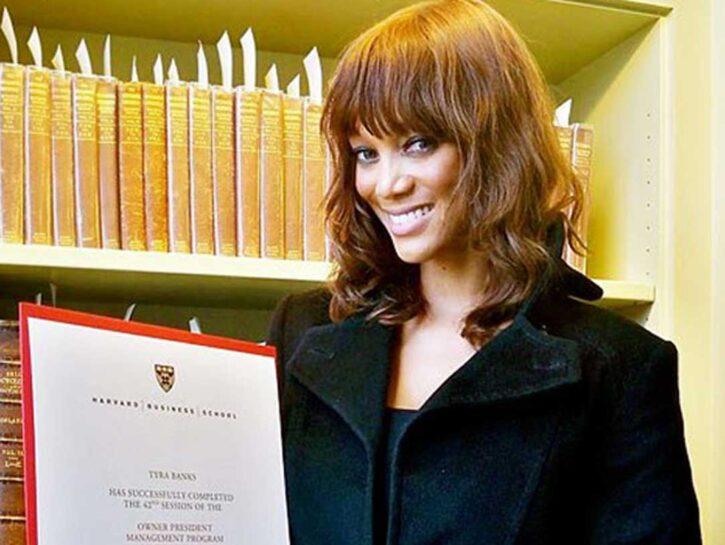 Per la laurea in Economia la topmodel 38enne Tyra Banks ha scelto l'Università di Harvard. E, dop