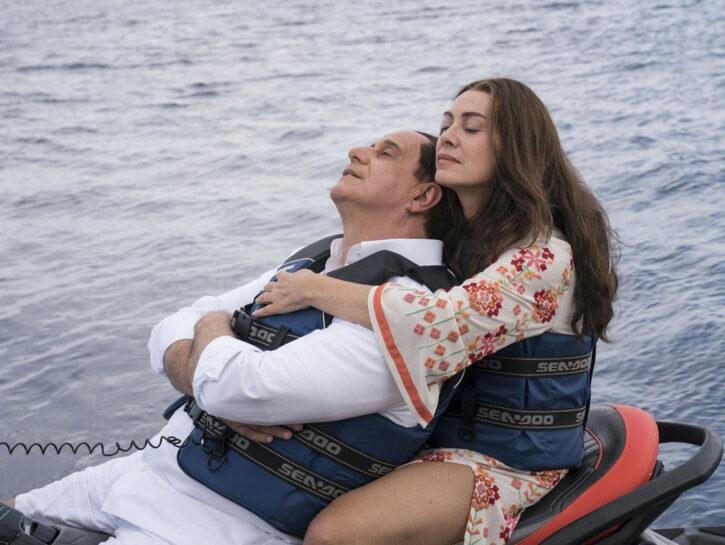Elena Sofia Ricci e Toni Servillo nei panni di Silvio Berlusconi e Veronica Lario