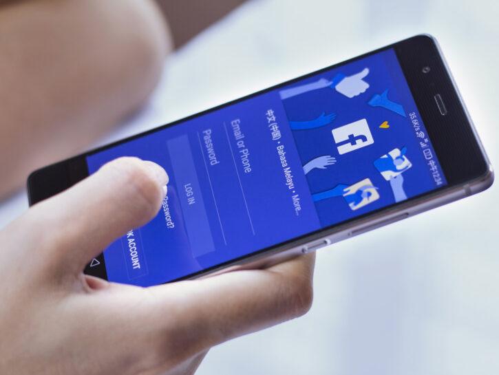 Login Facebook accesso cellulare