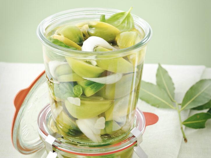 Pomodori verdi sott'aceto con cipolle