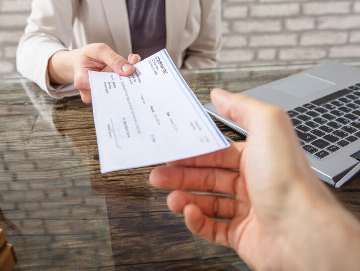 Stipendio pagamento bonifico ufficio
