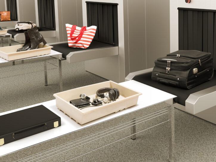 Vaschette per i controlli in aeroporto