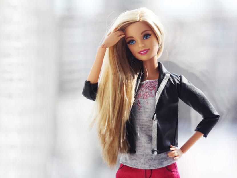 Barbie bionda chiodo