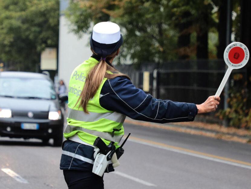 I controlli della Polizia Municipale di Modena ai veicoli in circolazione