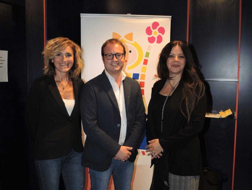 La nostra Barbara Rachetti con gli altri vincitori del Premio giornalistico Benedetta d'Intino: Alin