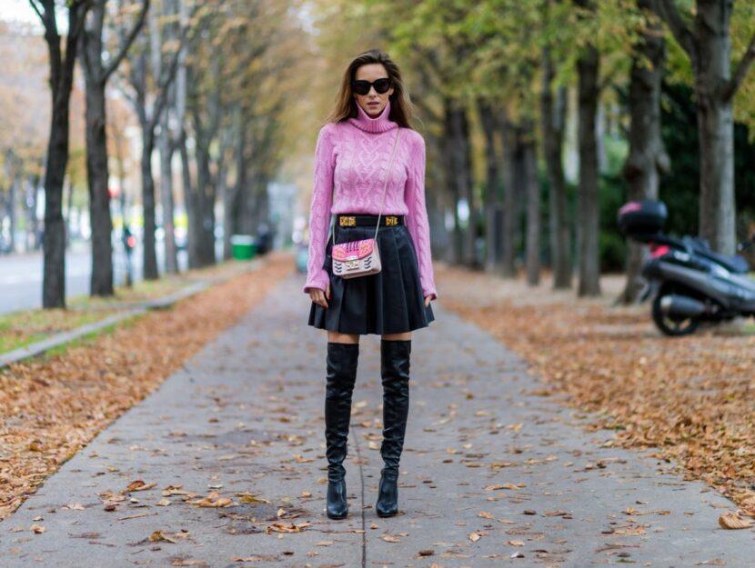 Glam e rock quanto basta: la gonna in pelle non può mancare