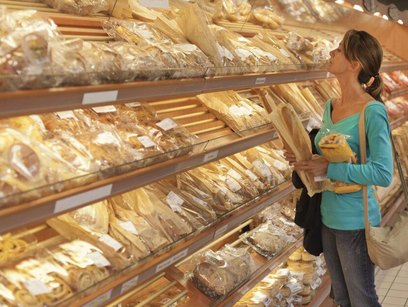 Pane supermercato donna spesa