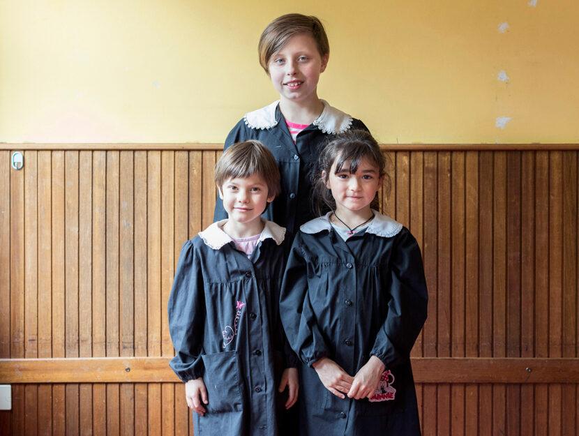 Giorgia, 10 anni, con Elisabetta e Marta, di 7: sono compagne di classe a San Damiano (Cuneo), foto