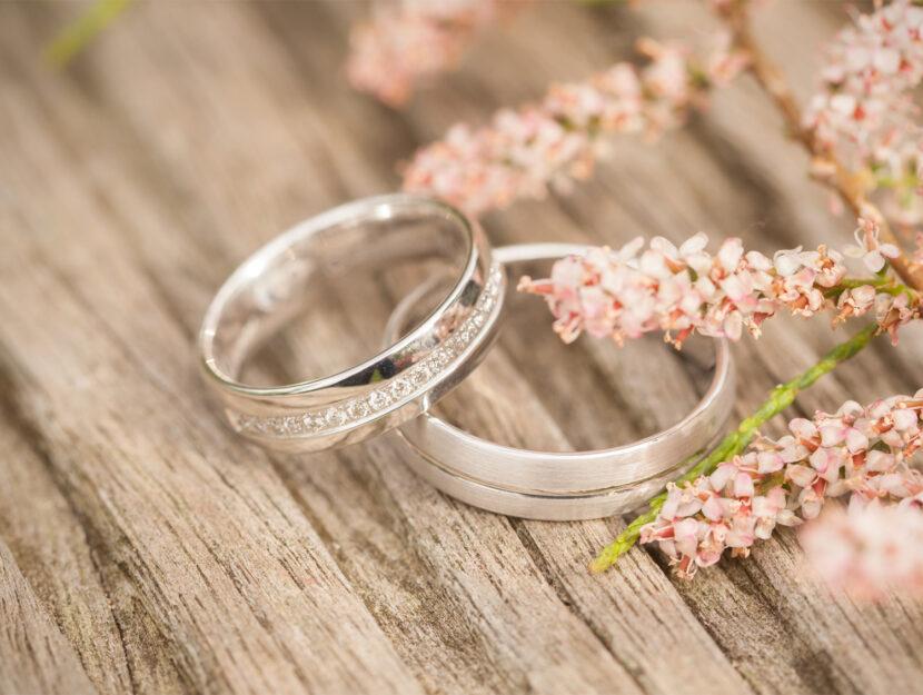 fedi anelli fiori simboli amore