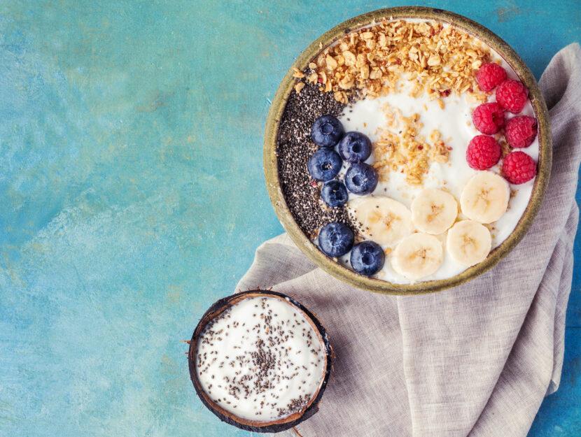 alimenti amici intestino yogurt colazione frutta
