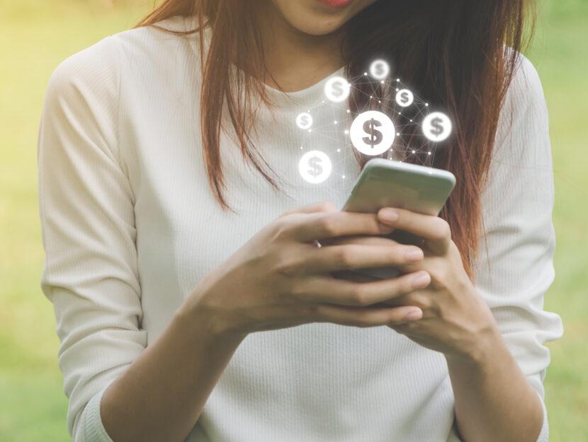 Blockchain ragazza cellulare