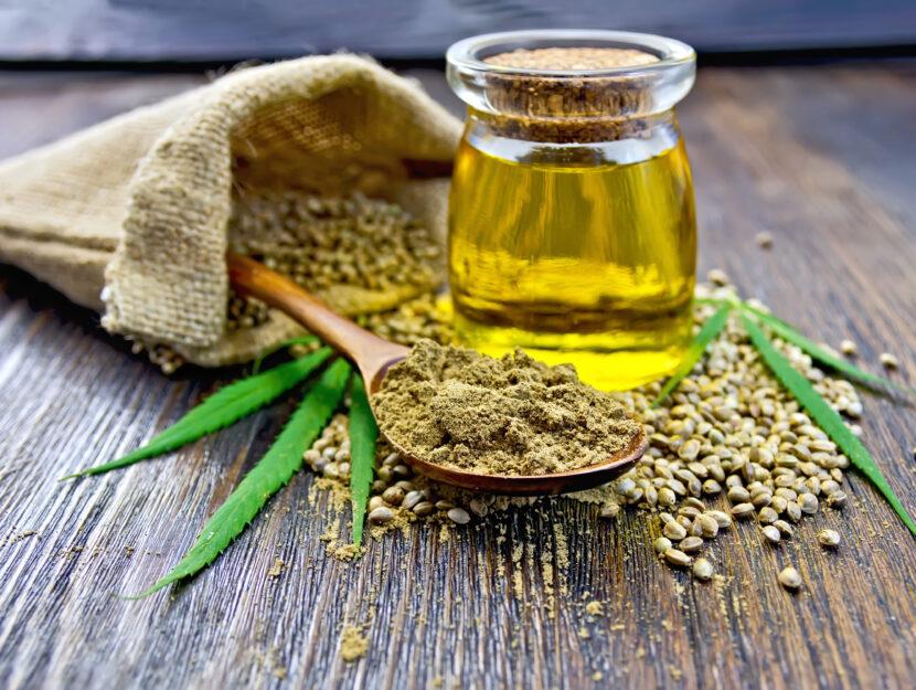 Farina, olio e semi di canapa