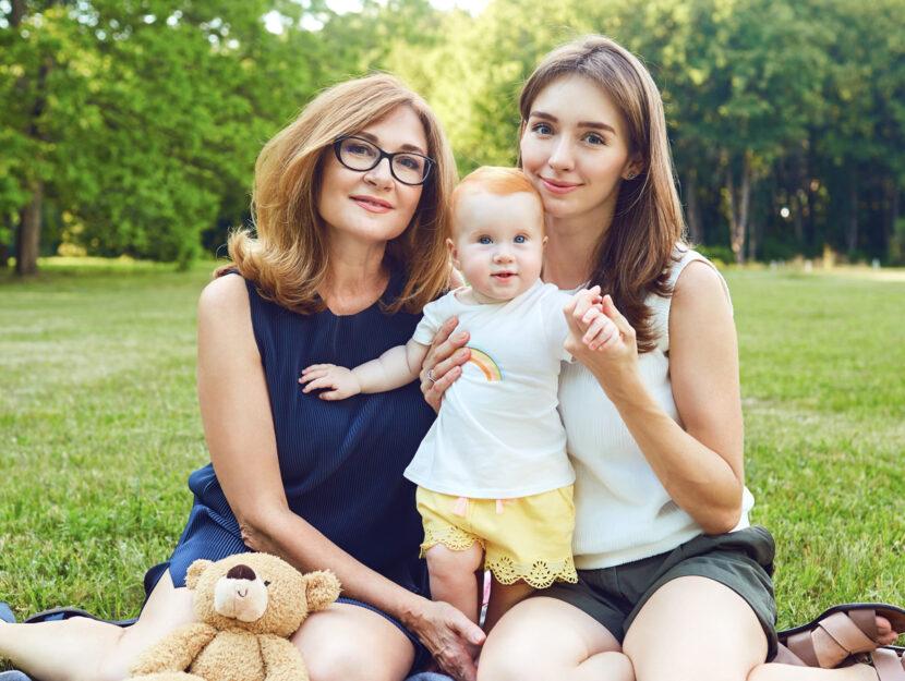 Due donne con bambino
