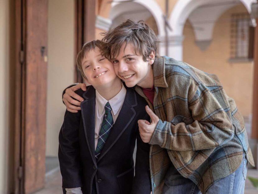 Lorenzo Sisto (Giò) e Francesco Gheghi (Giacomo preadolescente) in una scena del film Mio frat