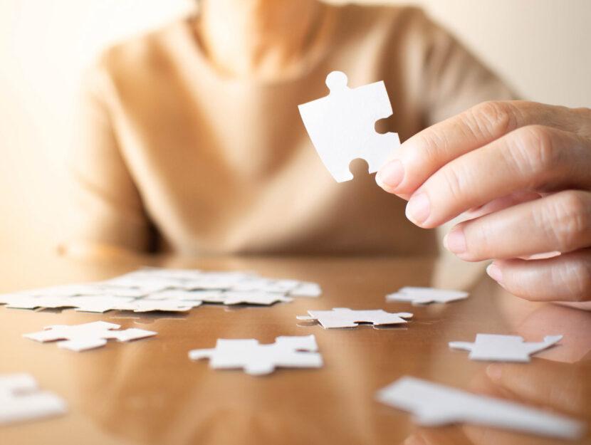 Donna puzzle tavolo